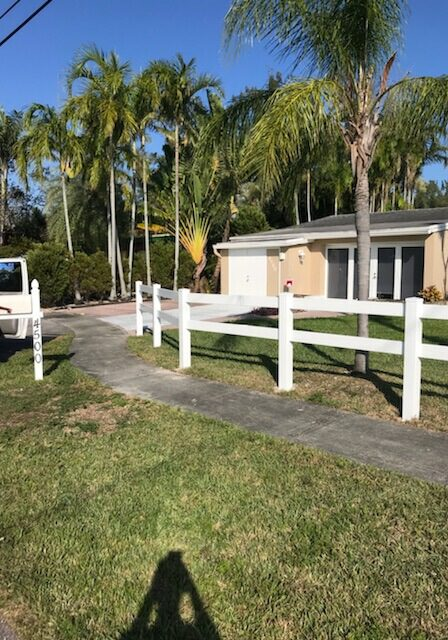 driveway fence parking lot jupiter